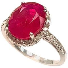 Ladies 18 Karat White Gold Ruby and Diamonds Ring