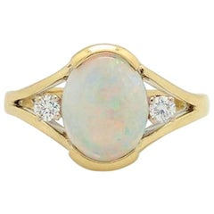 18 Karat Yellow Gold 1.65 Carat Natural Opal and Diamond Ring