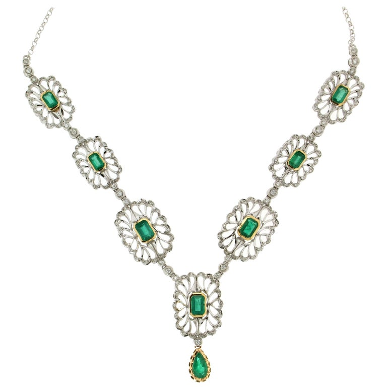 Colombian Emeralds 18 Carat White Gold Diamonds Drop Necklace
