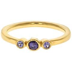 Petite Alice Ring 18 Karat Yellow Gold Purple Sapphire