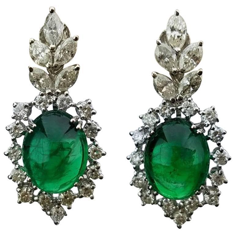 Certified 12.66 Carat Emerald Cabochon and Diamond 18 Karat Gold Earring