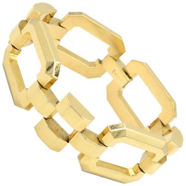 e01274a12 Tiffany & Co. Retro 14 Karat Yellow Gold Link Bracelet, circa 1950s For Sale