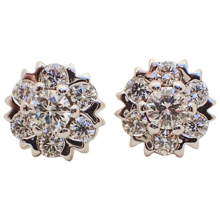 18 Karat White Gold Snowflake Style Earrings with 1.42 Carat of Diamond For Sale