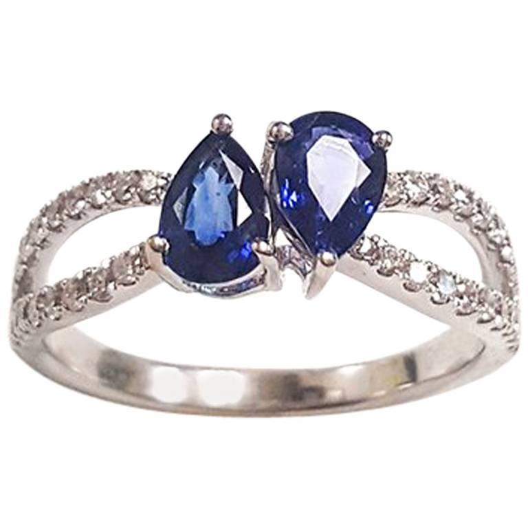 Ladies 14 Karat White Gold Sapphire and Diamonds Ring