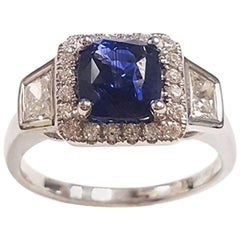 Ladies 14 Karat White Gold Sapphire and Diamonds Ring