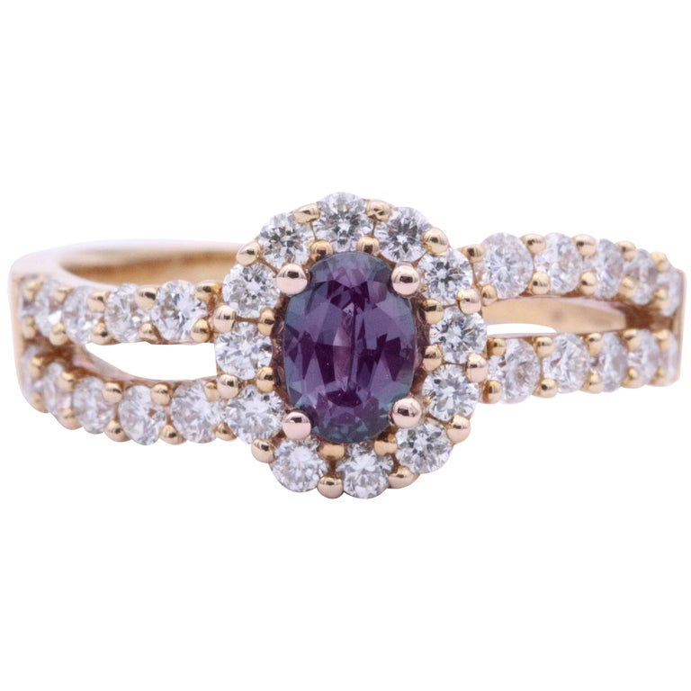 Oval Alexandrite Rose Gold Ring with Diamonds and CC Certificate For Sale