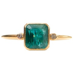 1 Carat Radiant Cut Emerald with Diamonds 18 Karat Yellow Gold Ring