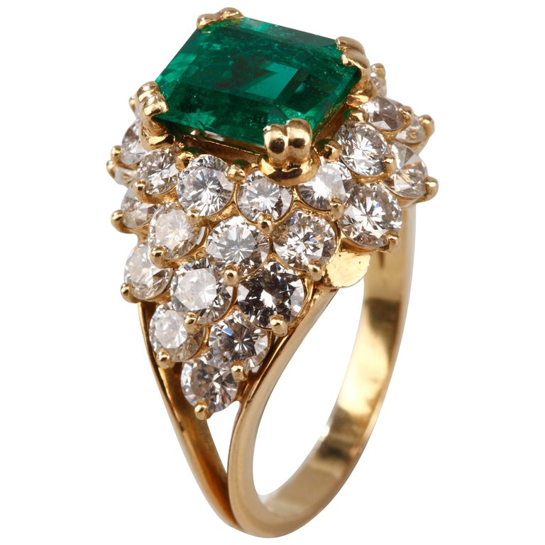 Emerald and Diamonds Ring