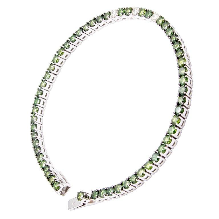 "18 Carat White Gold ""Green"" Diamond Line Bracelet /Tennis Bracelet"