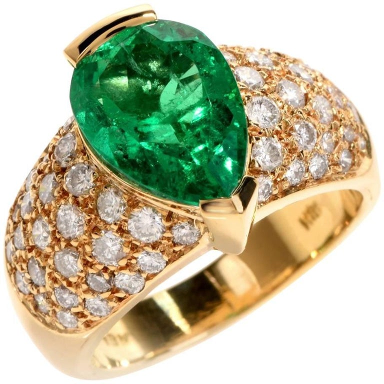 1980 GIA Emerald Pave Diamond Yellow Gold Cocktail Ring For Sale