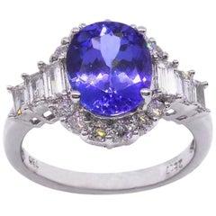 Tanzanite Diamond 18 Carat White Gold Dress Engagement Ring