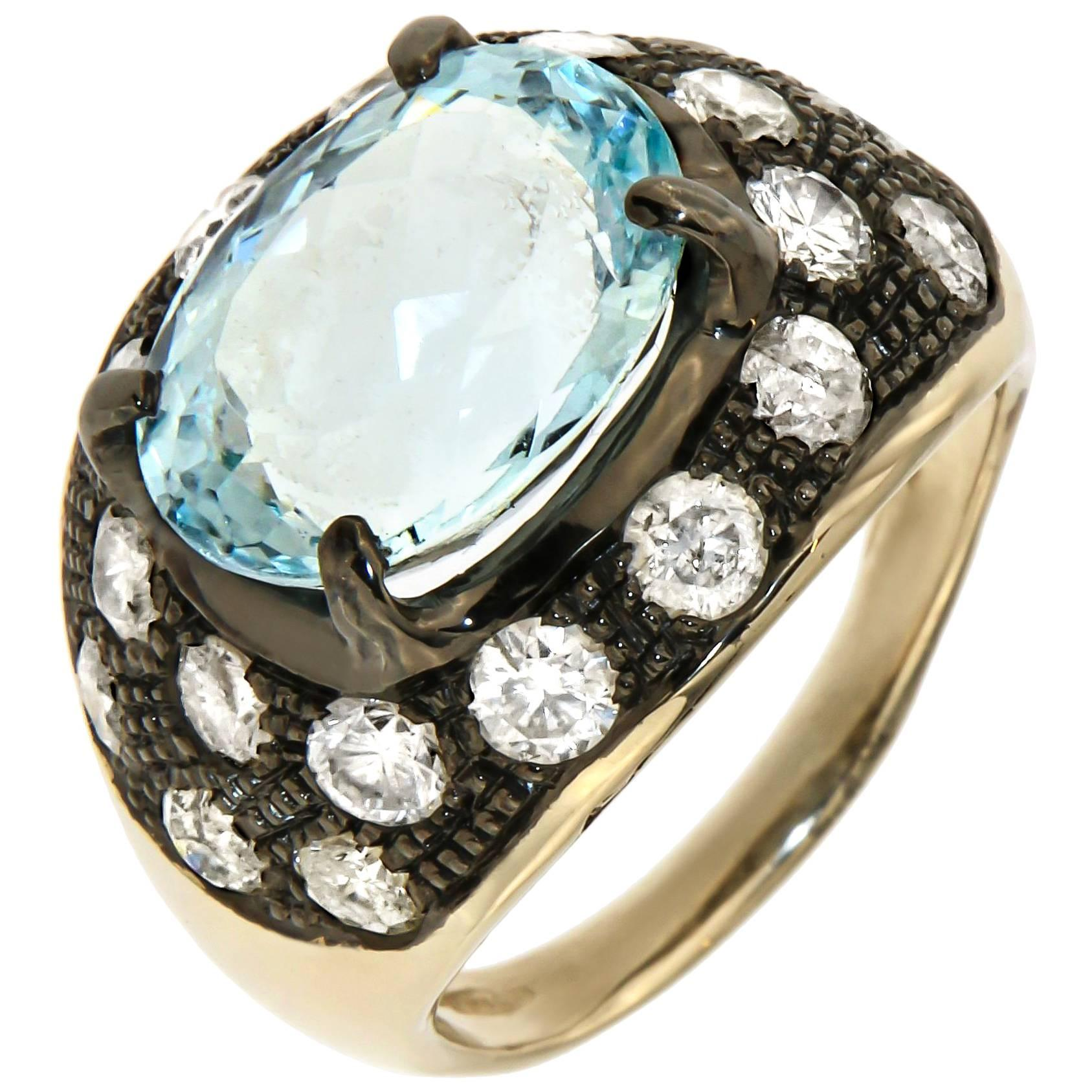 Aquamarine Ice Diamonds 18 Karat White Gold Cocktail Ring Handcrafted in Italy