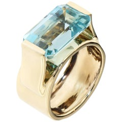 Aquamarine White 18 Kt Gold Cocktail Ring Handcrafted in Italy by Botta Gioielli