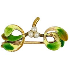 Victorian Enamel Pin, Granny Apple Color Green with Seed Pearls