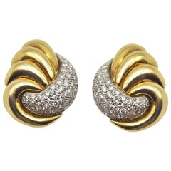 Yellow Gold and Diamonds Earrings