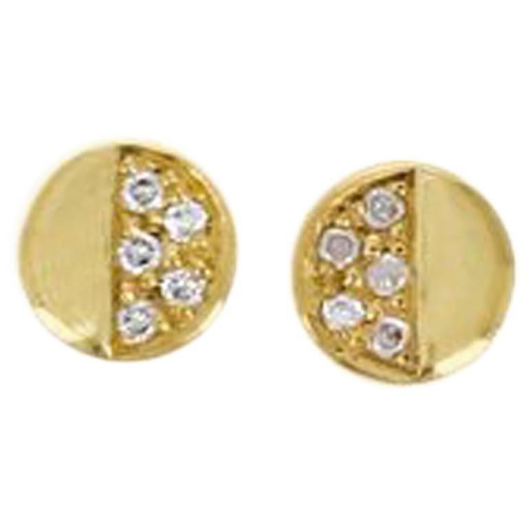 Loli 18 Karat Yellow Gold Natural Pavé Diamond Stud Earring
