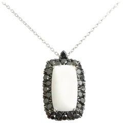 18 Karat White Gold Garavelli Pendant with Chain with Black Diamonds and Cogolon