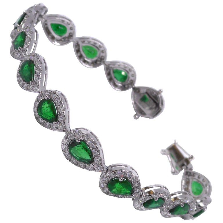Emerald Diamond 18 Carat White Gold Bracelet
