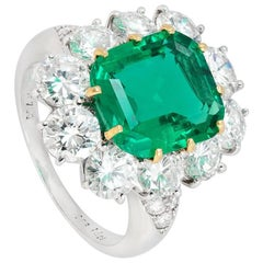 Van Cleef & Arpels 3.22 Carat No Oil Colombian Emerald Diamond Cluster Ring