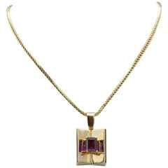 Vintage Emerald Cut Amethyst Pendant 1970s in Yellow Gold