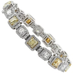 Mark Broumand 16.27 Carat Fancy Yellow Radiant Cut Diamond Link Bracelet