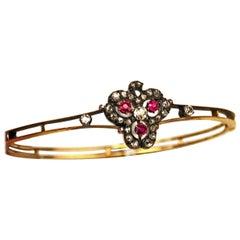 Circa 1900 14 Karat Gold Ruby Diamond 1.10ct Bangle Bracelet