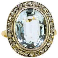 Vintage 18 Karat and Platinum Ladies Ring with Aquamarine and Diamonds
