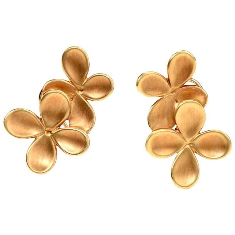 Angela Cummings 1980s Yellow Gold Clip-On Flower Earrings
