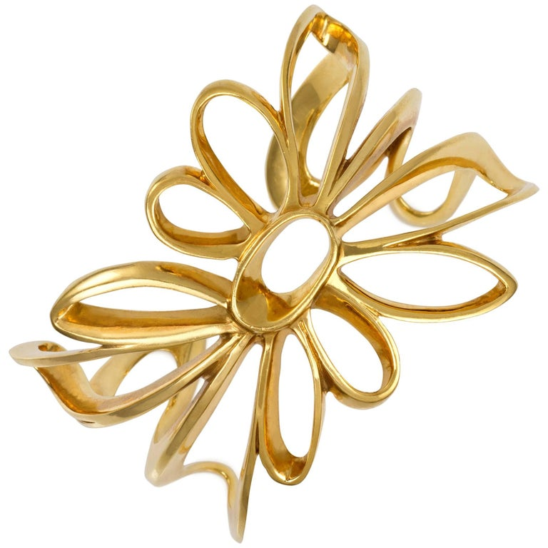 1987 Paloma Picasso for Tiffany & Co. Flower 18 Karat Gold Cuff