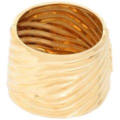 Large 14 Karat Yellow Gold Fluted Hinged Cuff