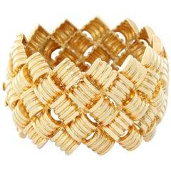 Large 18 Karat Yellow Gold Barrel and Link Cuff