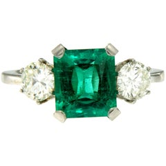 Certified 2.75 Carat Colombian Emerald Diamond Platinum Ring