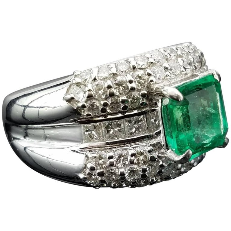 1.84 Carat Colombian Emerald Cocktail Ring in Platinum