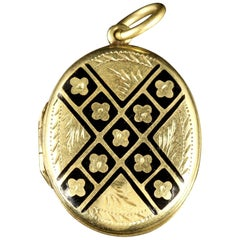 Antique Victorian Forget Me Not 9 Carat Locket circa 1880