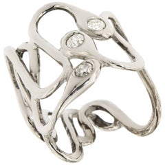 18 Karat White Gold Modern Ring Ice Diamonds Snakes