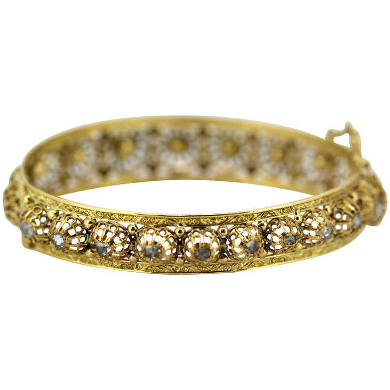 French Art Deco 18 Karat Gold Ladies Bangle with Rose Cut Diamonds, circa 1920s