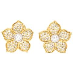 18 Karat Yellow Gold Diamond Flower Earrings