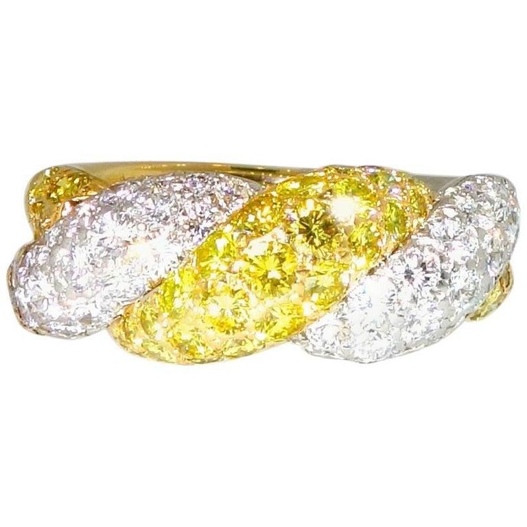 Oscar Heyman White Diamond and Vivid Diamond Ring