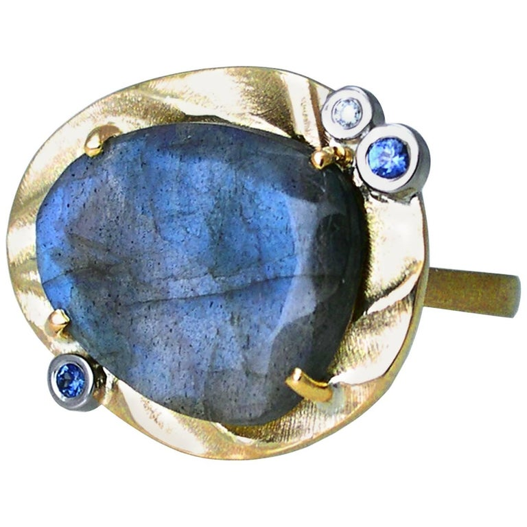 Ocean Dream Ring with Labradorite and 14 Karat Yellow Gold For Sale