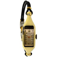 Gruen ladies yellow Gold Art Deco Lady Curvex manual Wristwatch, circa 1930
