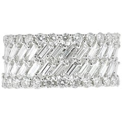 White Gold Round and Baguette Diamond Ring Weighing 2.40 Carat