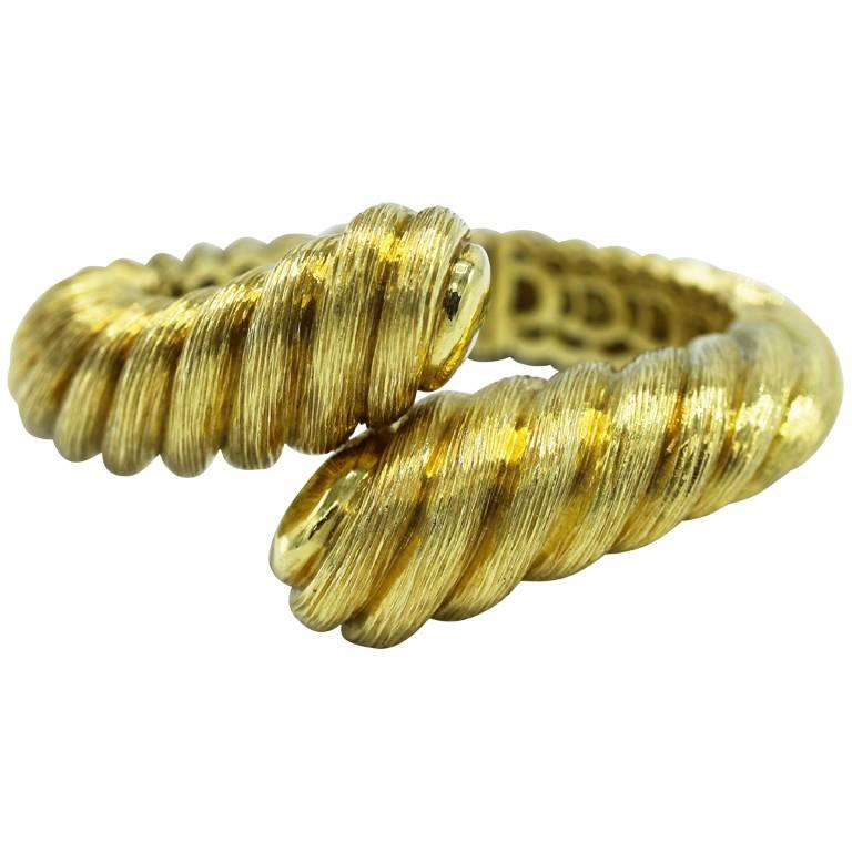 1980s Henry Dunay Gold Hinged Bangle Bracelet