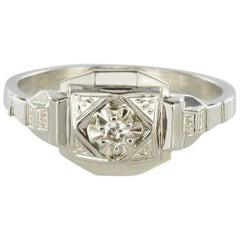French 1930s Geometric Diamond 18 Karats White Gold Art Deco Ring