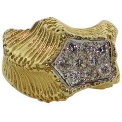 18 Karat Yellow Gold Diamond Pave Ring