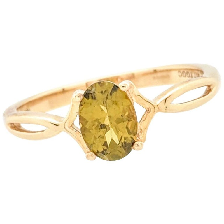 10 Karat Yellow Gold 1 Carat Peridot Ring