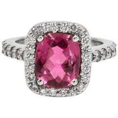 2.72 Carats Buff Top Cabochon Rhodolite Garnet and Diamond Ring