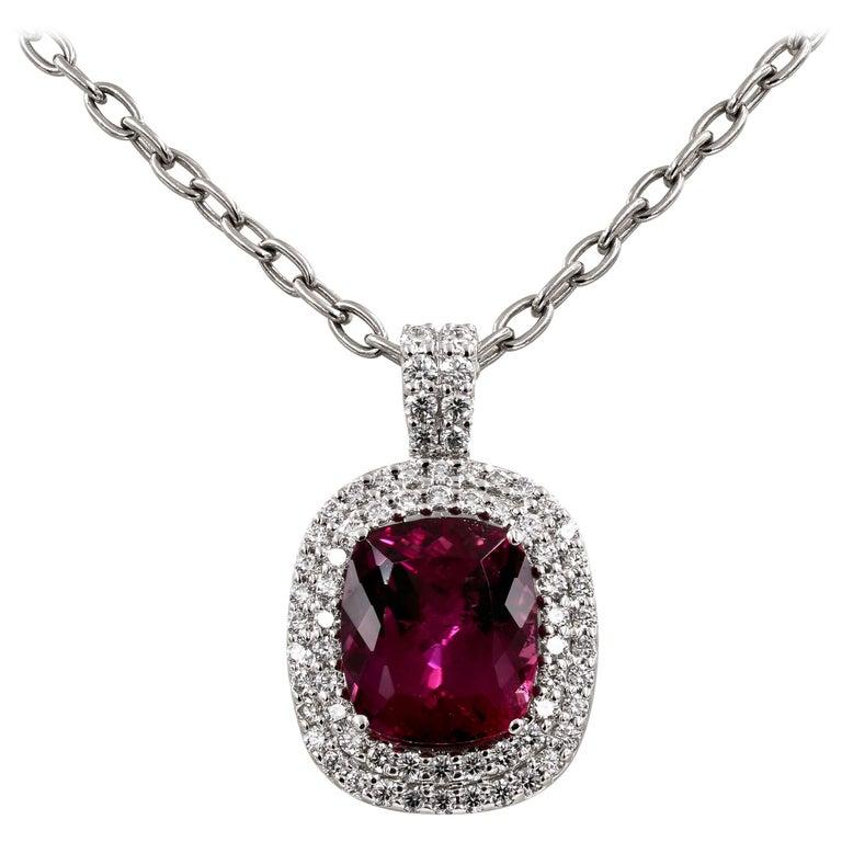 Natural 10.91 Carats Madagascar Tourmaline and Diamond Necklace For Sale