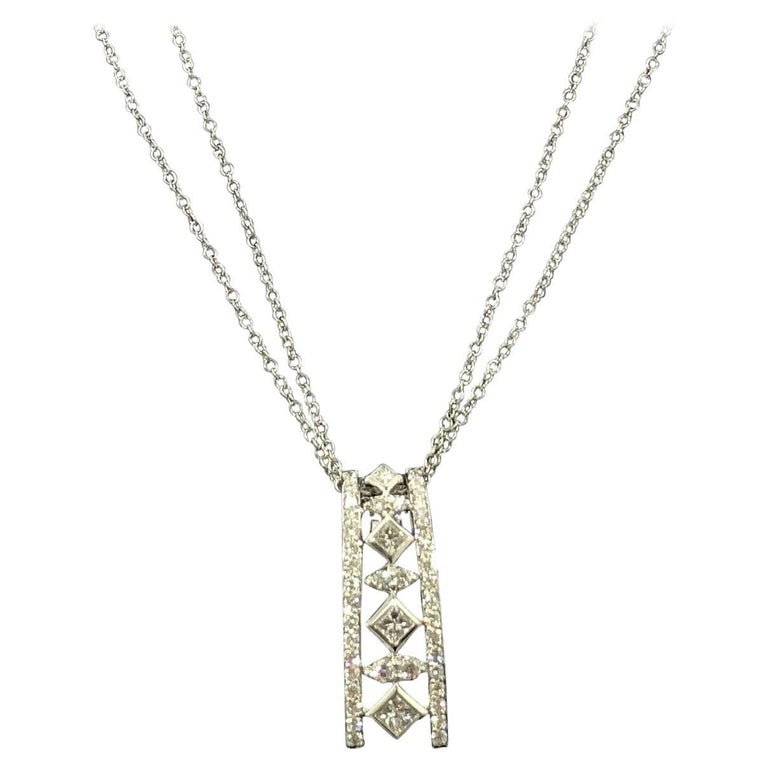 Peter Storm 18 Karat White Gold and Princess and Round Diamond Pendant Necklace For Sale