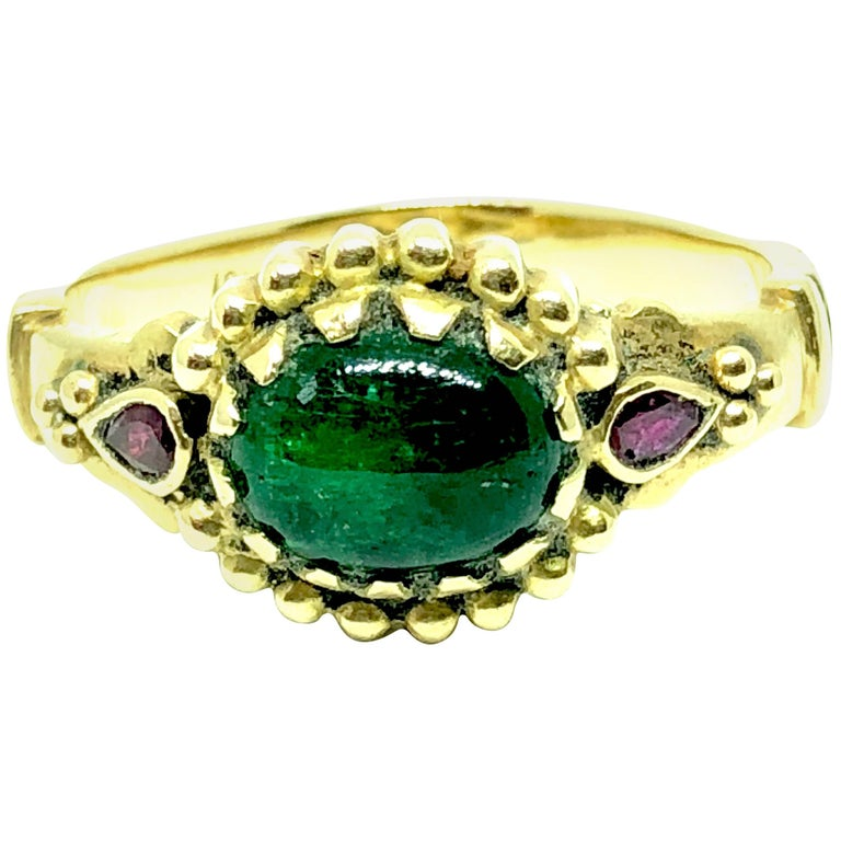 Emerald and Ruby 18K Gold Ring For Sale