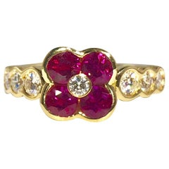 Gumuchian 18 Karat Yellow Gold Diamond and Ruby Flower Cocktail Ring